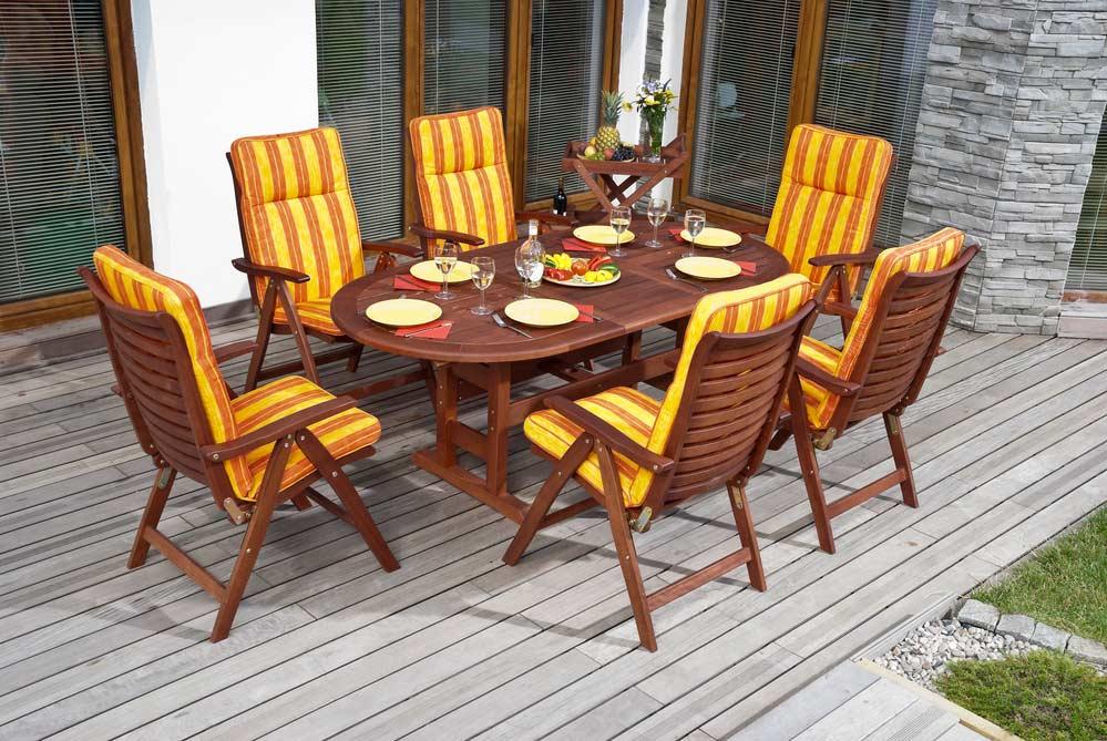 Gartenstühle mit Hochlehner Auflagen depositphotos.com