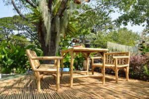 Bambus Gartenmöbel © depositphotos.com