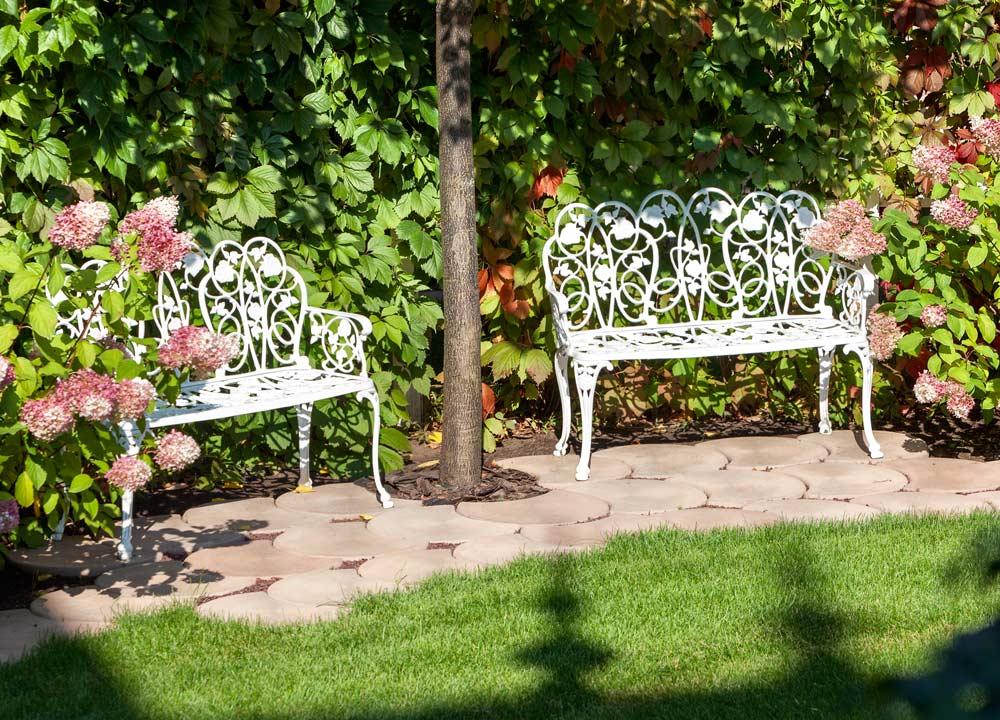 Metall Gartenbank depositphotos.com