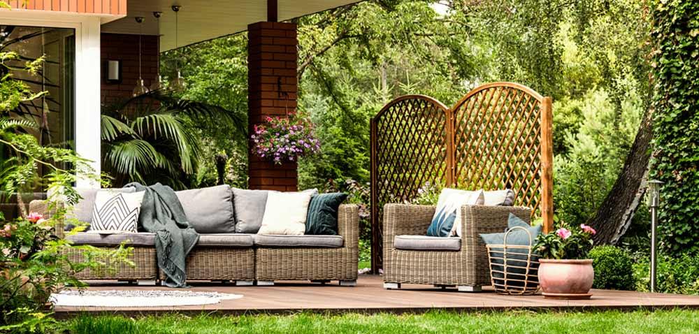 Gartenmöbel aus Rattan depositphotos.com