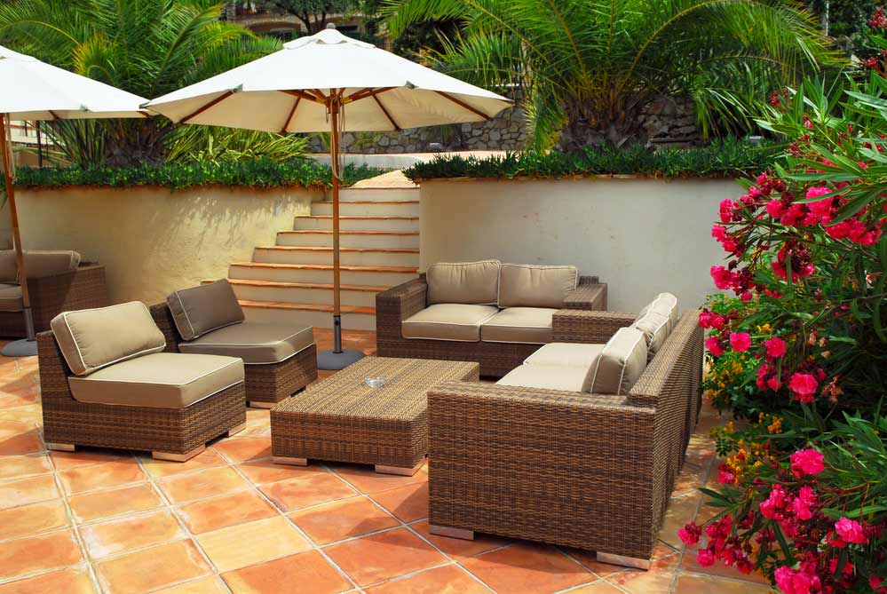 Lounge Set Rattan depositphotos.com