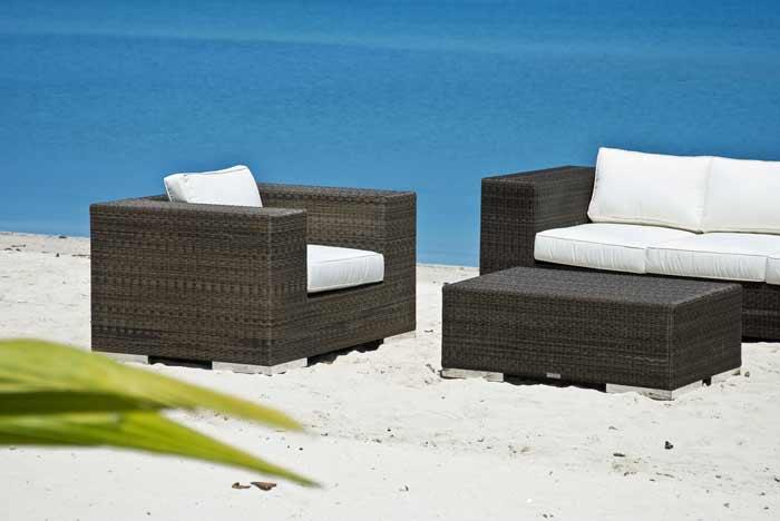 Lounge-Set-Rattan am Meer depositphotos.com
